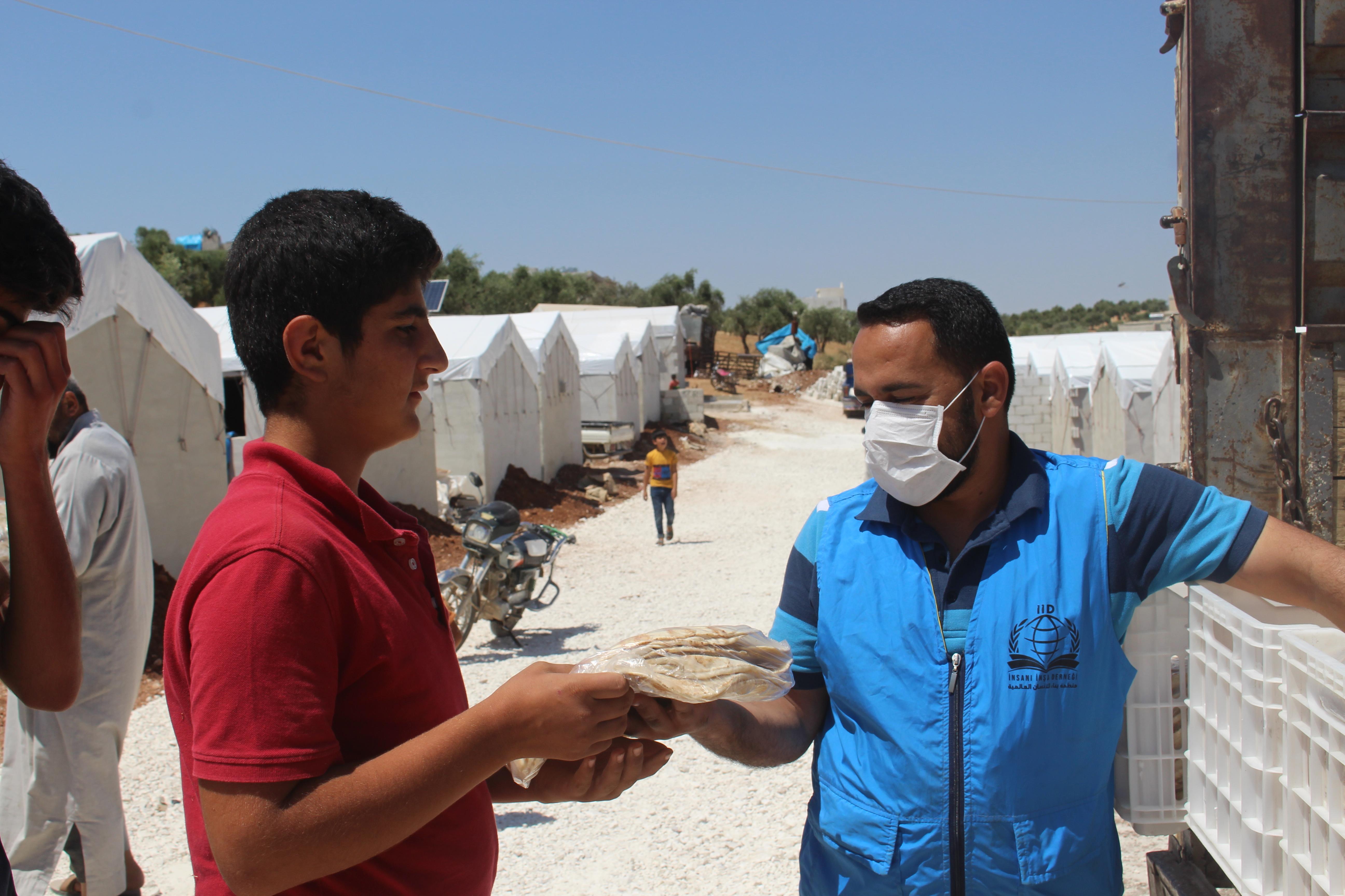 Kardeşinize Ekmek Oldunuz... - Haberler - İnsanı İnşa Derneği İİD. Uluslararası Yardım Kuruluşu