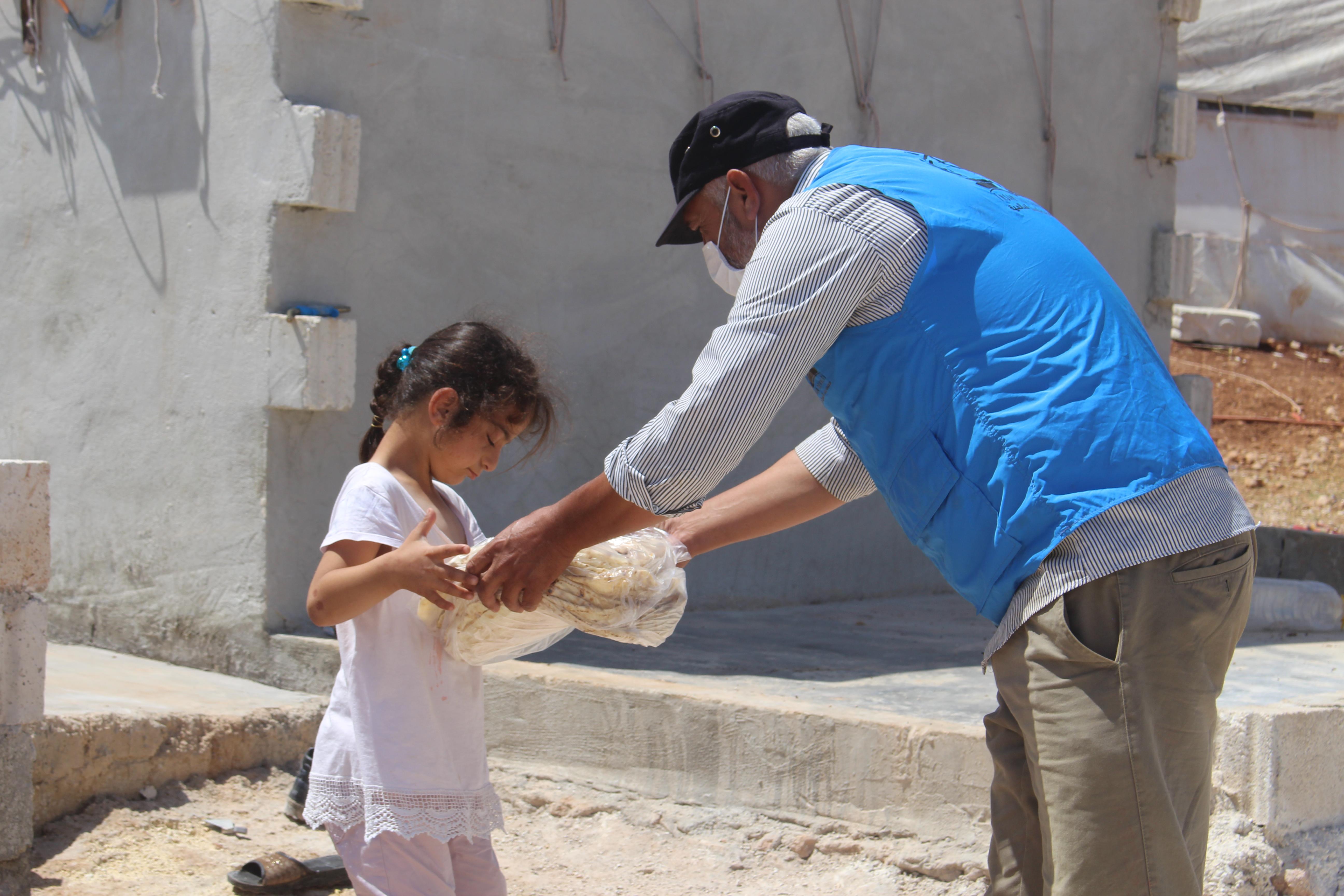 ''Haydi Bir Ekmek de Kardeşine'' kampanyası devam ediyor. - Haberler - İnsanı İnşa Derneği İİD. Uluslararası Yardım Kuruluşu