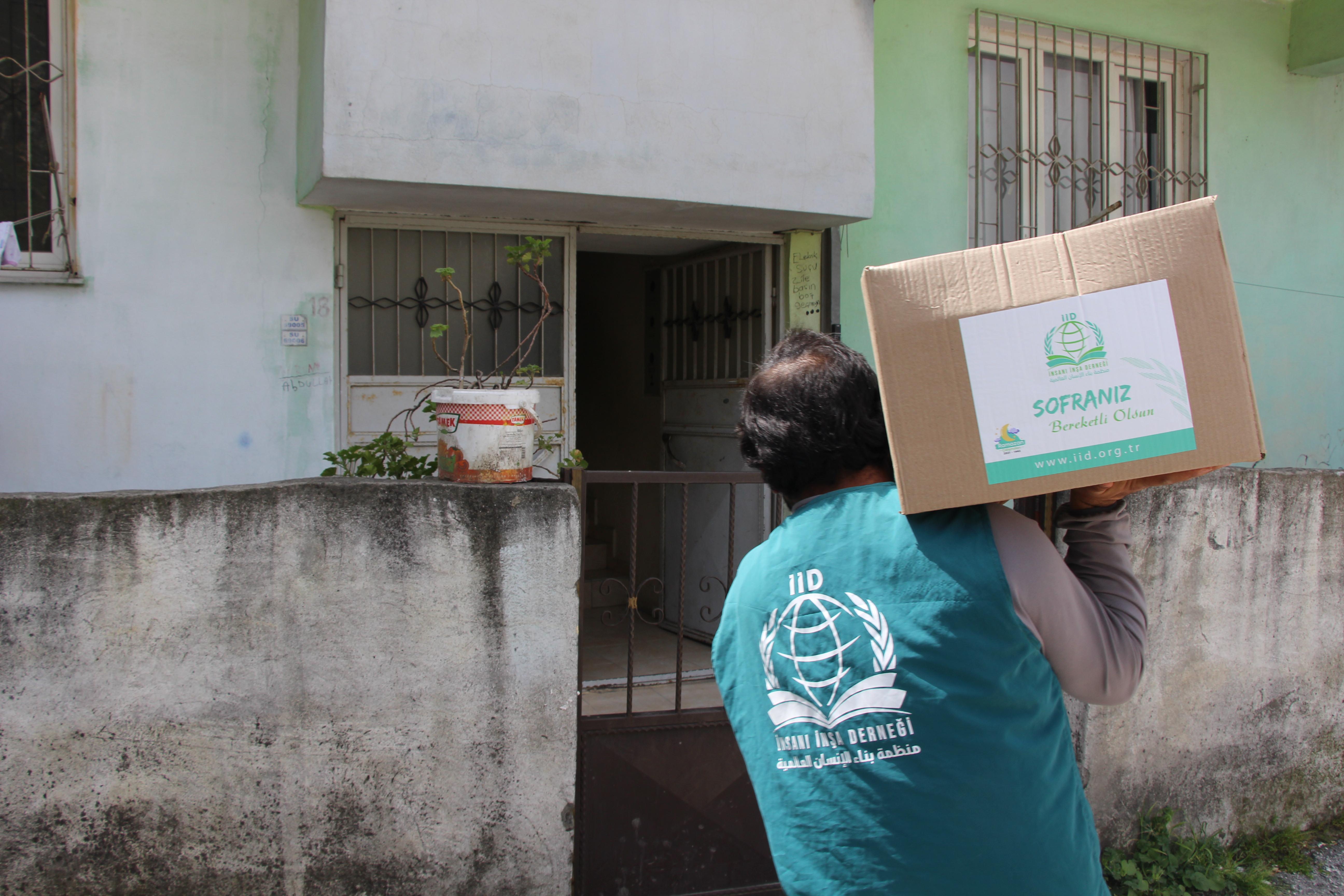 Ramazan Gıda Kolisi Dağıtımları Türkiye - Haberler - İnsanı İnşa Derneği İİD. Uluslararası Yardım Kuruluşu