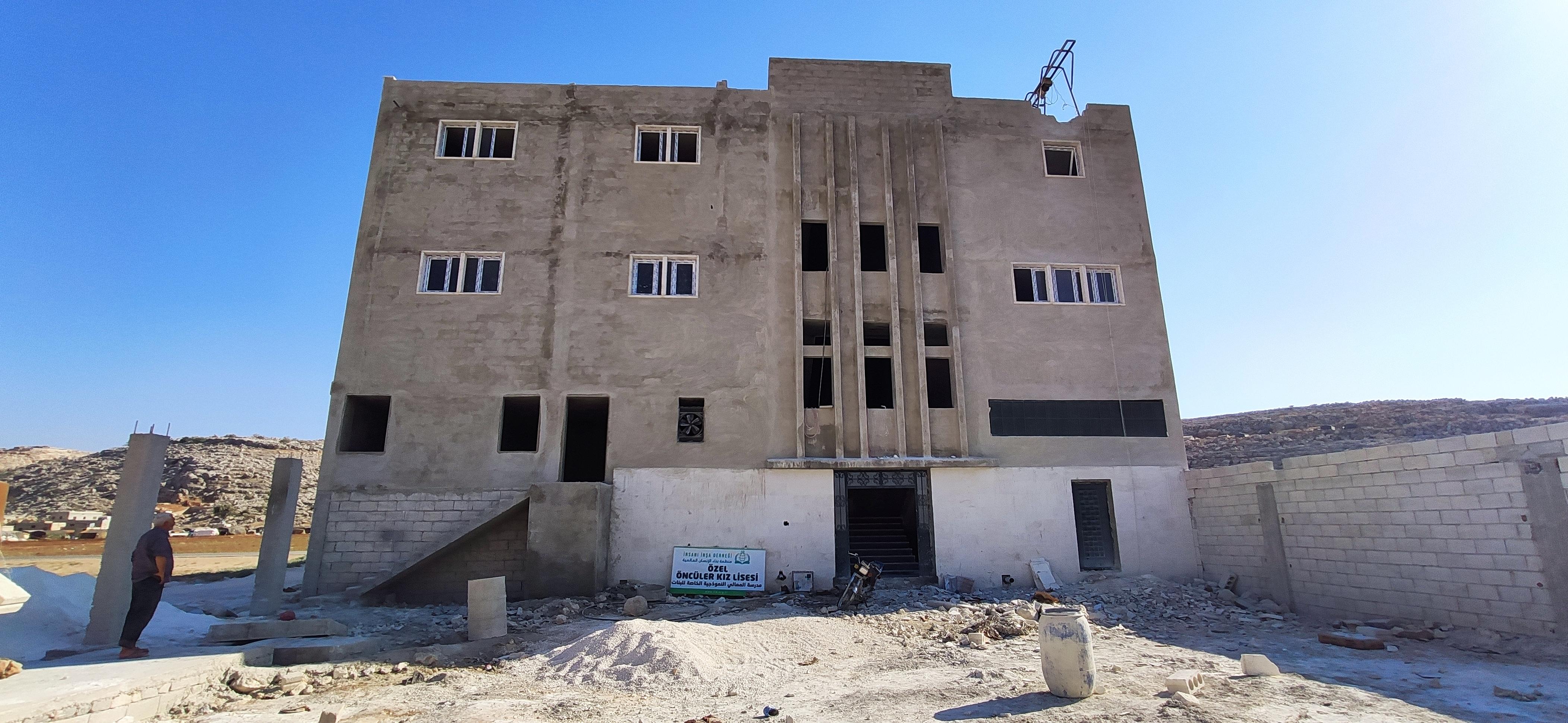 ''Özel Öncüler Kız Lisesi'' okulu inşası devam ediyor. - Haberler - İnsanı İnşa Derneği İİD. Uluslararası Yardım Kuruluşu