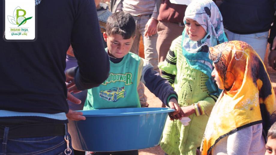 Hijyen Paketi Yardımıları - İnsanı İnşa Derneği İİD. Uluslararası Yardım Kuruluşu